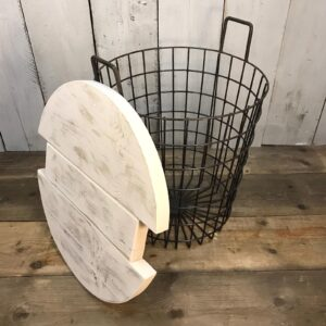 white basket table