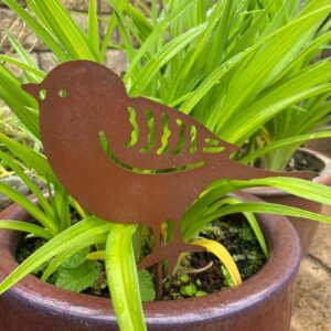 bird fence decoration